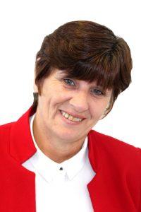 Geraldine Cross Head Shot white